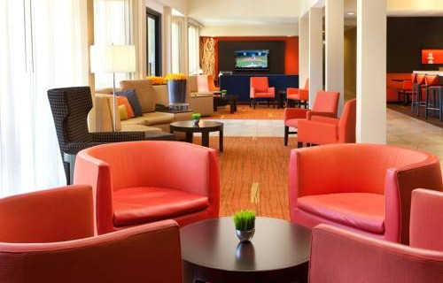 Courtyard by Marriott San Francisco Airport lobby