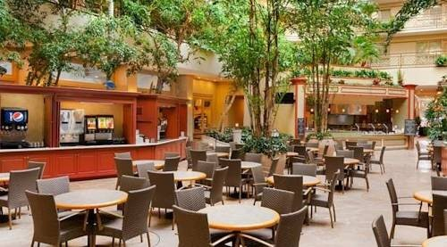 Embassy Suites Hotel San Francisco Airport dining