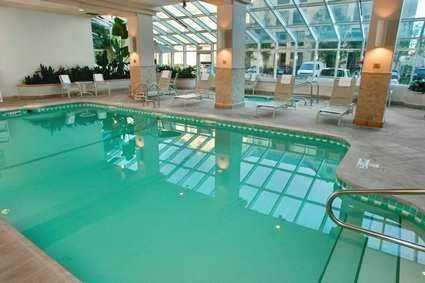 Embassy Suites Hotel San Francisco Airport pool