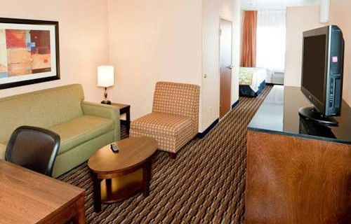 Fairfield Inn & Suites By Marriott SFO Airport  suite