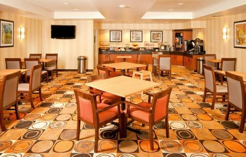 Fairfield Inn & Suites By Marriott SFO Airport free breakfast