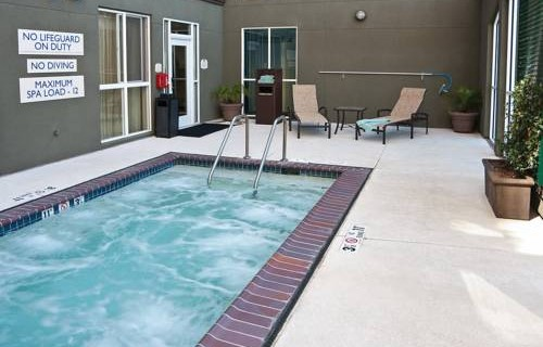 Fairfield Inn & Suites By Marriott SFO Airport hotub