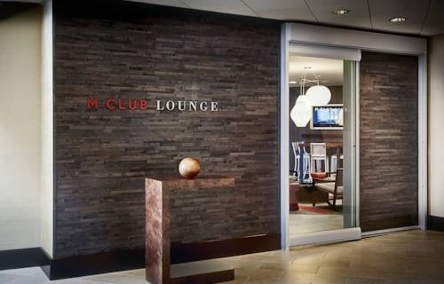 san-francisco-airport-marriott-waterfront-in-house-lounge