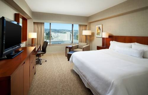 Westin San Francisco Airport bedroom